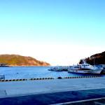 青い海が広がる漁港